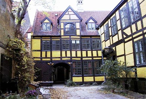 Admiral Gjeddes Gaard: Restaurering af facader