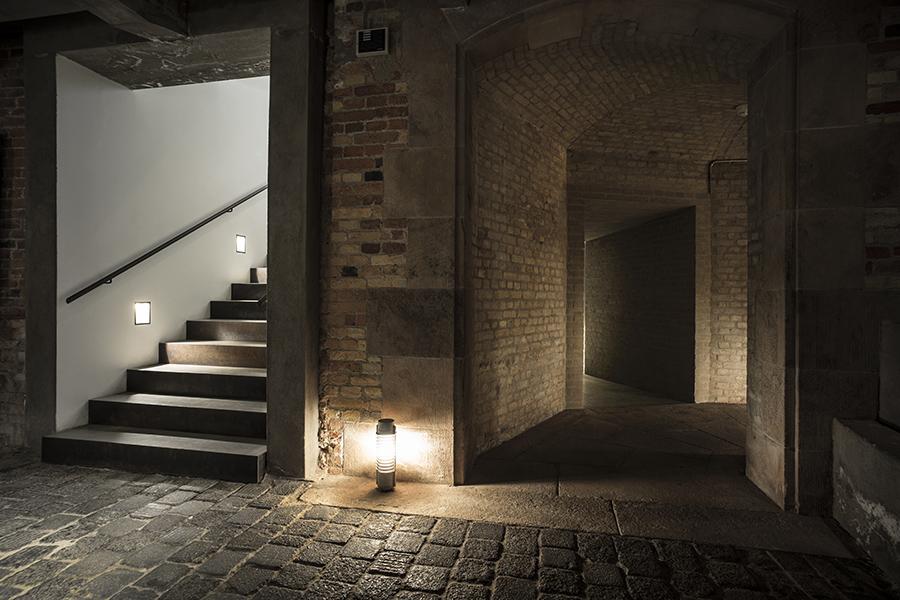 Christiansborg: Ruinerne under Christiansborg Slot lyser velkommen