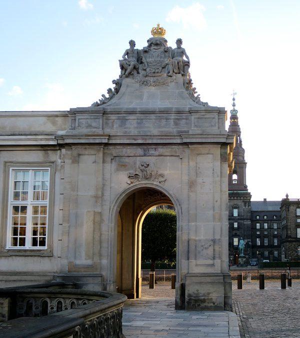 Christiansborg: Skulpturer stråler på ny