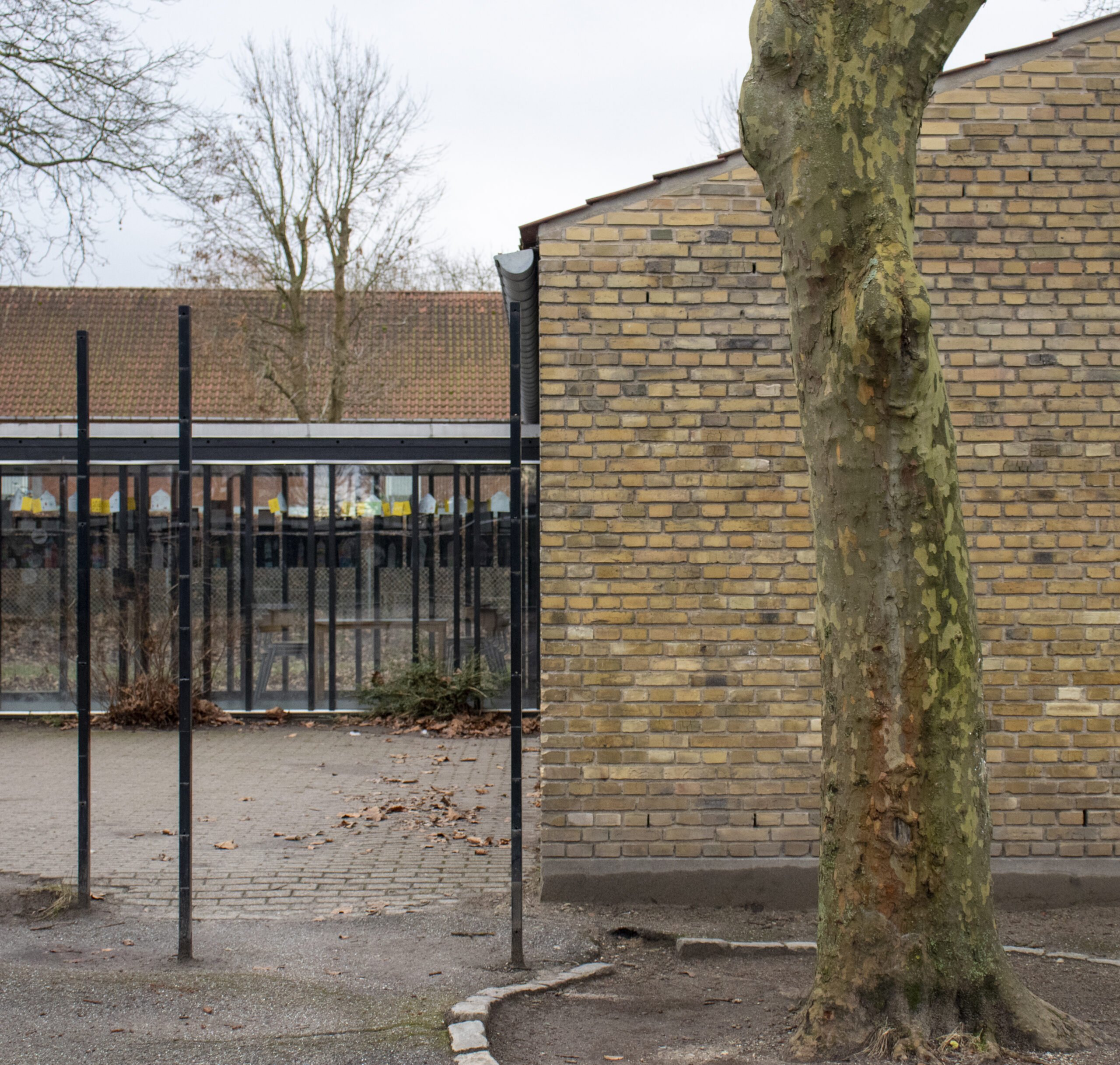Gladsaxe Skole - gavl til skolegård