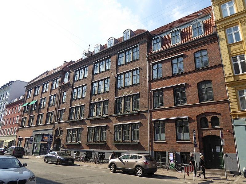 Bertelsen & Scheving - Ingrid Jespersens Gymnasieskole